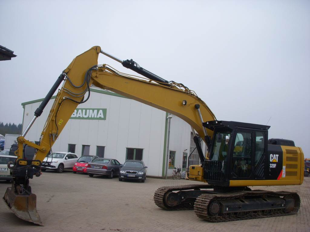 Caterpillar 320 F L (12001133) MIETE RENTAL