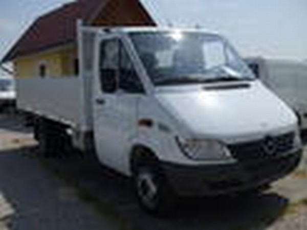 Mercedes-Benz SPRINTER 413 CDI. Year: 2001, Price: 14273 USD