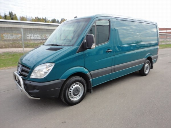 Mercedes Benz Sprinter 215. Mercedes-Benz SPRINTER umpi 215 CDI 3.0/37 Kasten