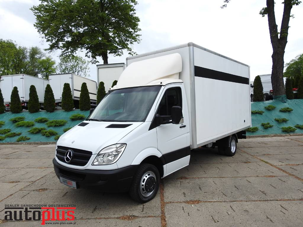 mercedes benz sprinter 515 2 2 cdi kontener 150km occasion prix 9 496 ann e d. Black Bedroom Furniture Sets. Home Design Ideas