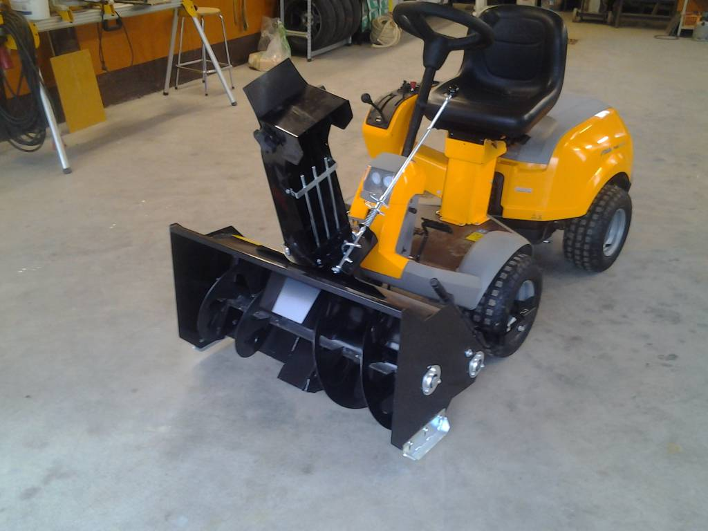 Used Riding Mowers For Sale >> Used Stiga Park 1-vaihe lumilinko 2/4WD uusi riding mowers Year: 2018 Price: US$ 1,742 for sale ...