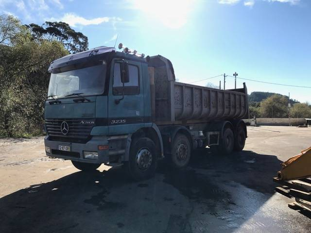 Used mercedes benz 3235 dump trucks year 2000 price for Used mercedes benz tipper trucks for sale in germany