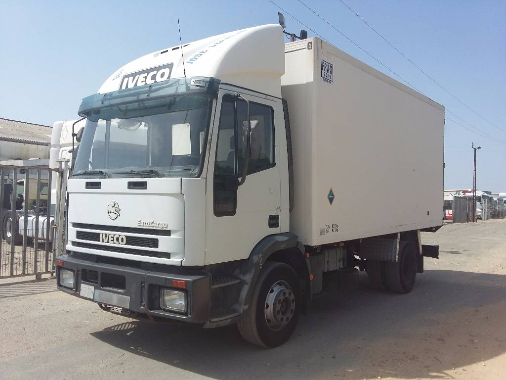 iveco ml120e18 occasion prix 10 000 ann e d 39 immatriculation 2000 camion frigorifique. Black Bedroom Furniture Sets. Home Design Ideas
