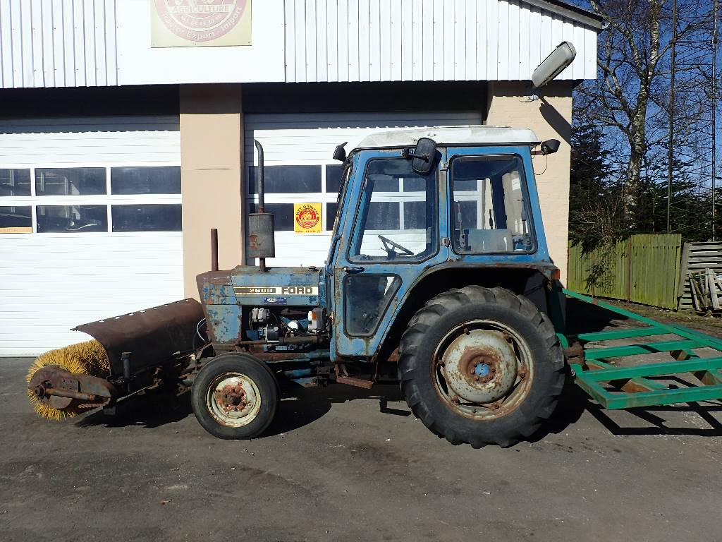2600 Ford Tractor Specifications : Ford price tractors mascus ireland