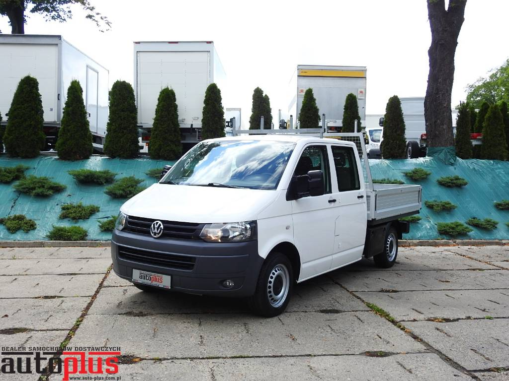 volkswagen transporter t5 doka 4x4 6 miejsc occasion prix 14 448 ann e d 39 immatriculation. Black Bedroom Furniture Sets. Home Design Ideas
