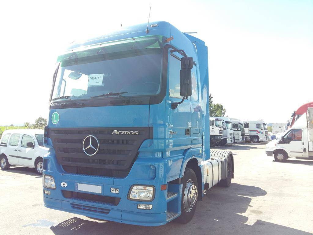 Used mercedes benz actros 1844 ls tractor units year 2006 for Mercedes benz astros