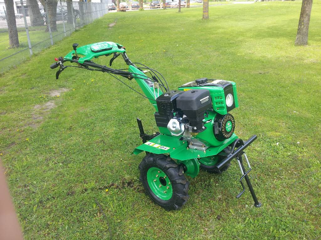 2 Wheel Tractor 1900 : Used green c two wheel tractors year price