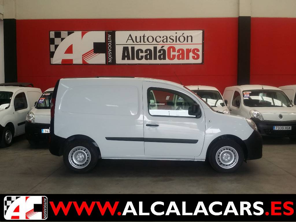 renault kangoo occasion prix 4 091 ann e d 39 immatriculation 2011 utilitaire renault. Black Bedroom Furniture Sets. Home Design Ideas