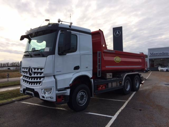 Used mercedes benz arocs 2651lk 6x4 dump trucks year 2016 for Used mercedes benz tipper trucks for sale in germany