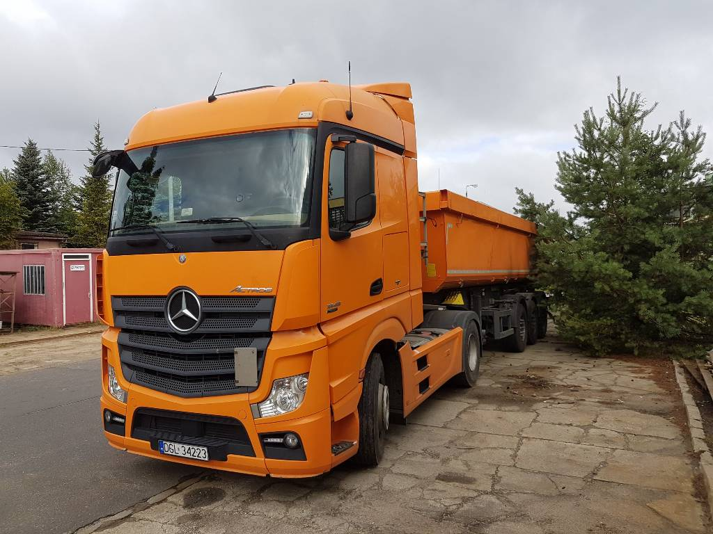 used ci gnik siod owy mercedes benz actros mp4 tractor. Black Bedroom Furniture Sets. Home Design Ideas