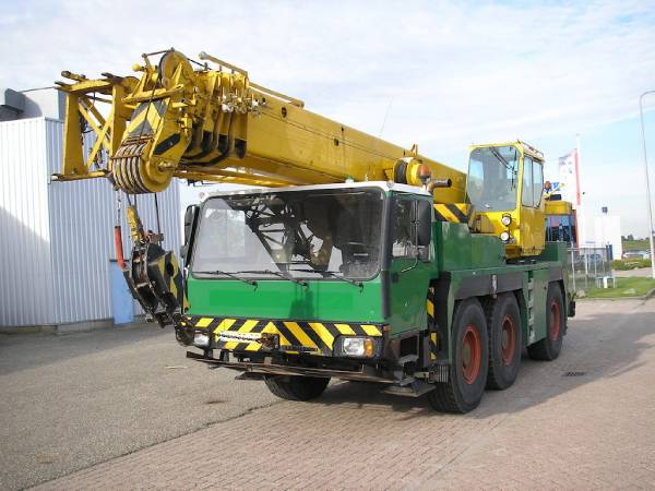 Liebherr LTM1040-1