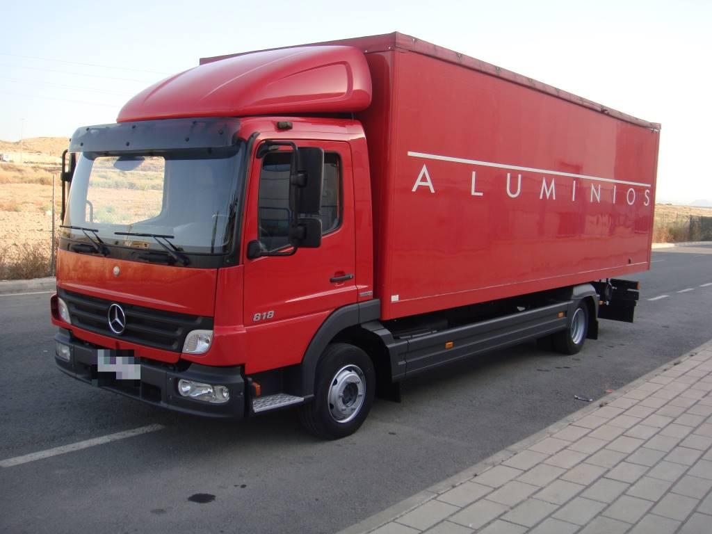 Used mercedes benz atego 818 cerrado box trucks year 2007 for Mercedes benz box truck for sale