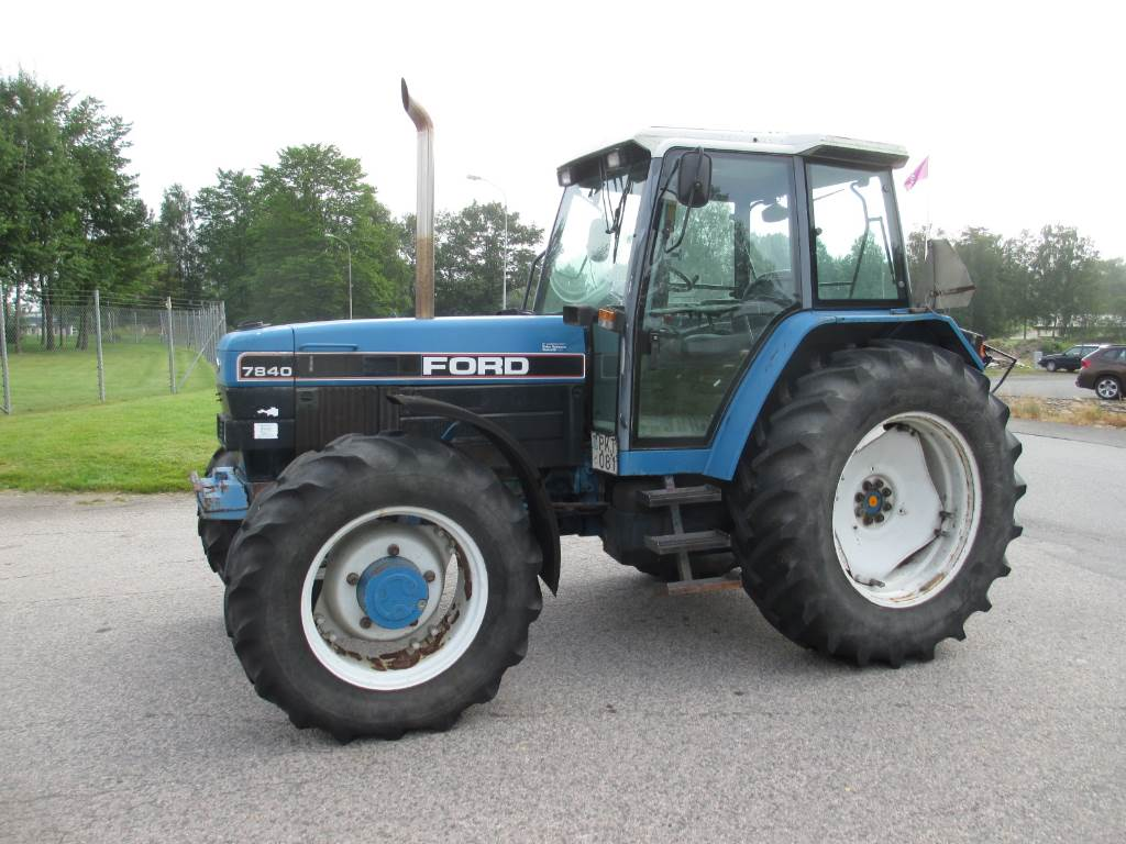 Ford Tractor Identification : Ford sle tractors price £ year of