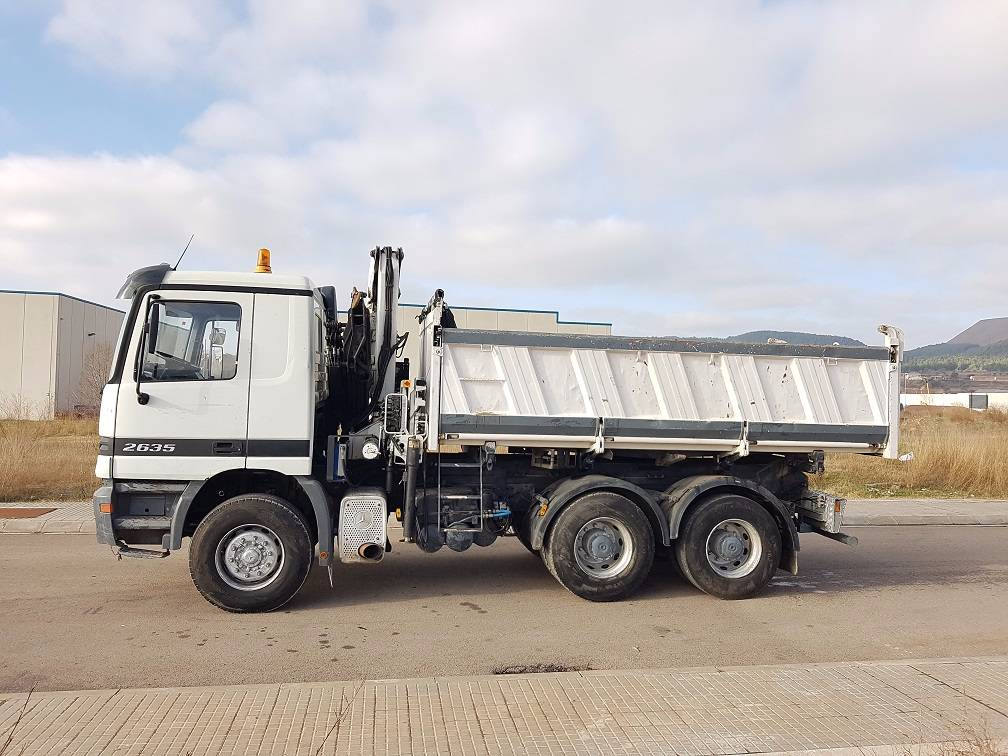 Used mercedes benz actros 2635 crane trucks year 1998 for Mercedes benz trucks usa