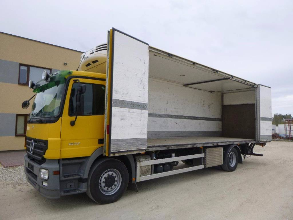 Mercedes benz actros 1832 4x2 lift side open fridge for Mercedes benz f 750 price