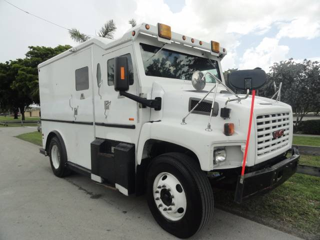 GMC -c8500 for sale Miami Price: $48,500, Year: 2006 | Used GMC -c8500 other trucks - Mascus USA