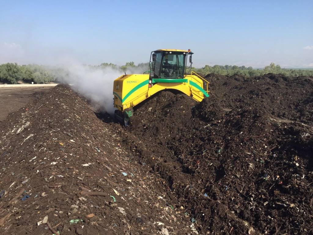 Used Backhus 21.55 compost turners Year: 2014 for sale ...