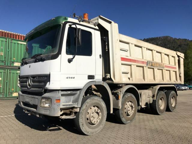 Used mercedes benz actros 4144k tipper 22cbm 8x4 dump for Used mercedes benz tipper trucks for sale in germany