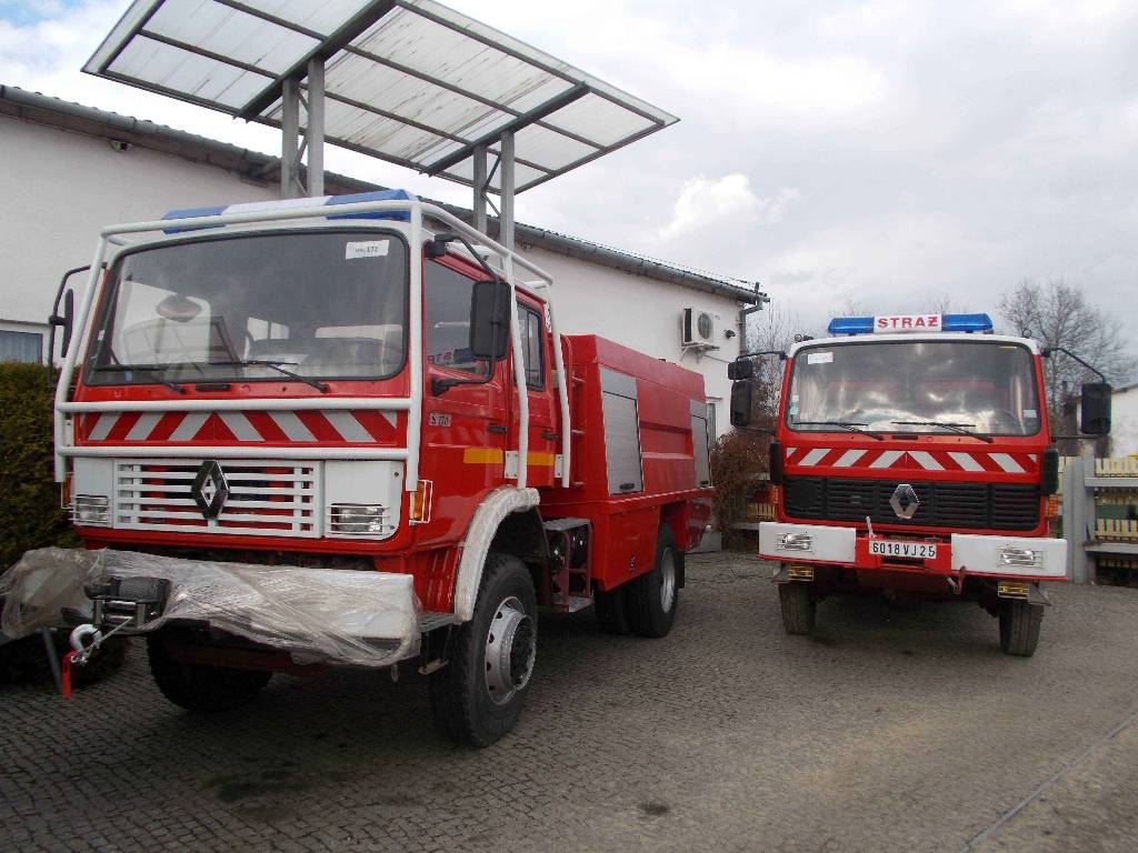renault 4x4 pozarniczy strazacki fire trucks price 24 747 year of manufacture 1993. Black Bedroom Furniture Sets. Home Design Ideas
