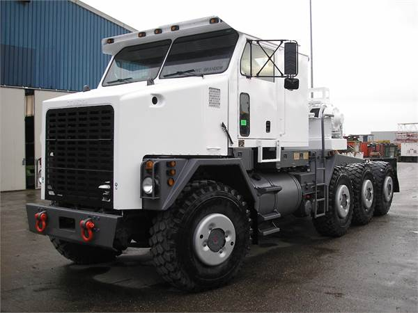 used oshkosh m1070 tractor units year 1999 for sale mascus usa. Black Bedroom Furniture Sets. Home Design Ideas