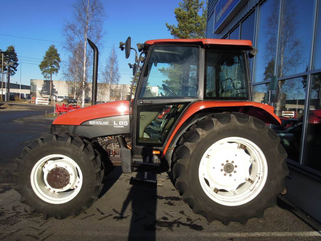 New holland l85 rgang 1996 brugte traktorer id for New holland 72 85