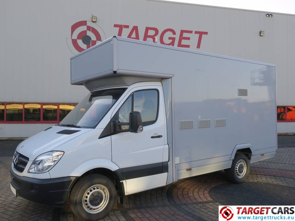 Mercedes benz 310cdi sprinter rbk mobile shop for Mercedes benz 950
