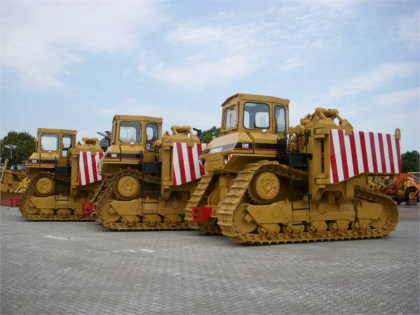 Caterpillar 589 pipelayer