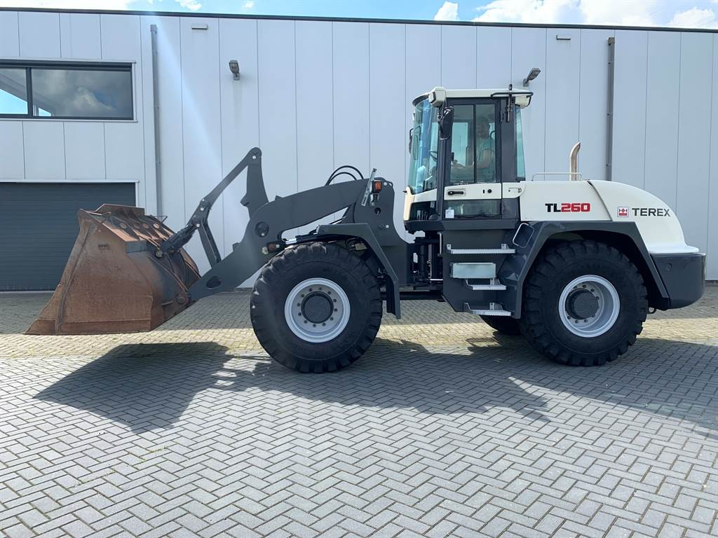 Terex TL260 Loader with Bucket
