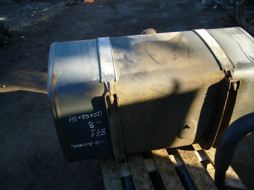 Used mercedes benz actros 1843 fuel tank cab chassis for Mercedes benz fuel tank