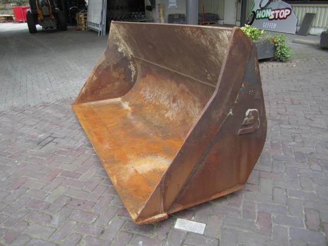 beco dichte bak mm 670 prijs 2 150 nederland jaar 2000 bakken mascus belgi. Black Bedroom Furniture Sets. Home Design Ideas