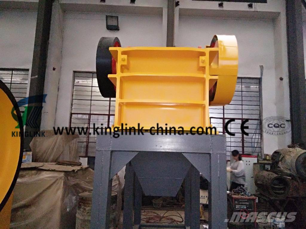 small diesel jaw crusher can be Small mobile type jaw crusher with diesel 2018-09-17 03:17 small mobile type jaw crusher with diesel engine this is the mobile type with diesel engine that we design for a australia customer, the belt can bending when moving.