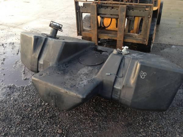 timberjack 1270d fuel tank baujahr 2004 chassis gebraucht kaufen und verkaufen bei mascus. Black Bedroom Furniture Sets. Home Design Ideas