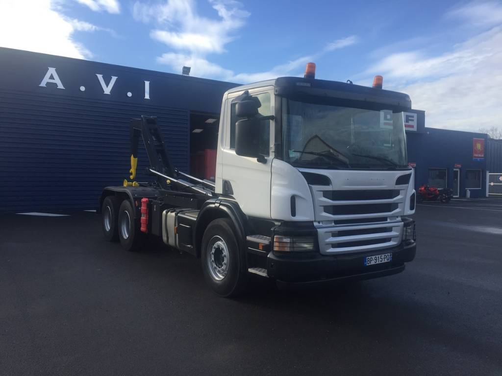 Scania P 400_hook lift trucks Year of Mnftr: 2011  Pre Owned