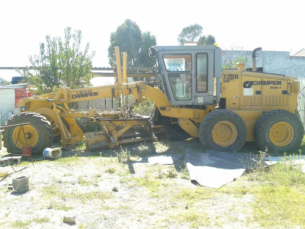 Used champion 720 a motor graders year 1997 price for Used motor graders for sale