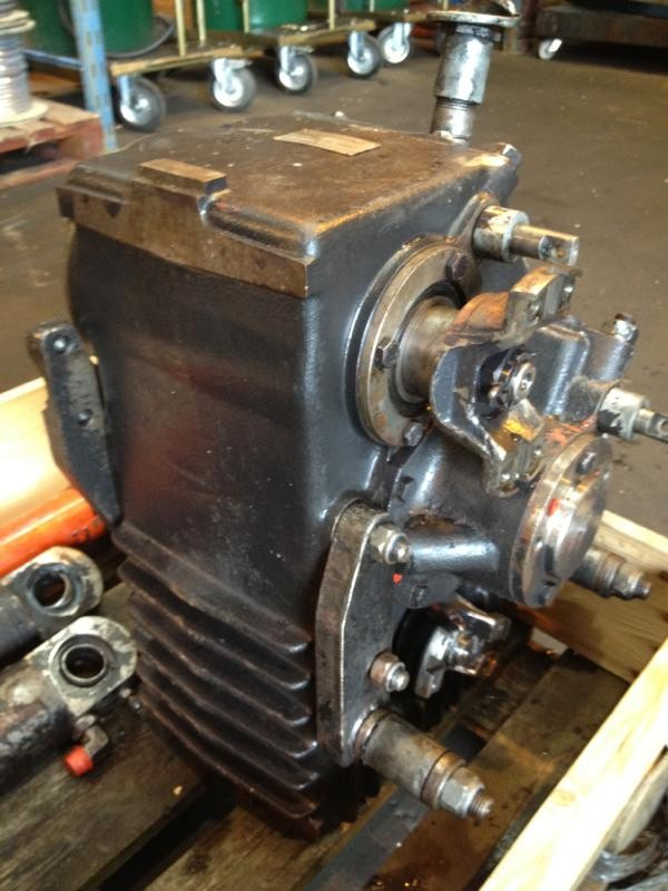 Used Valmet 862 Transfer Gearbox Transmission Year 1985