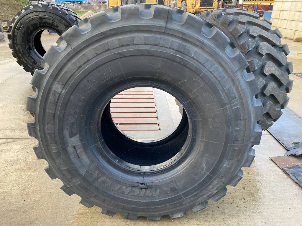 Michelin NEW! XHA 23.5 x R25