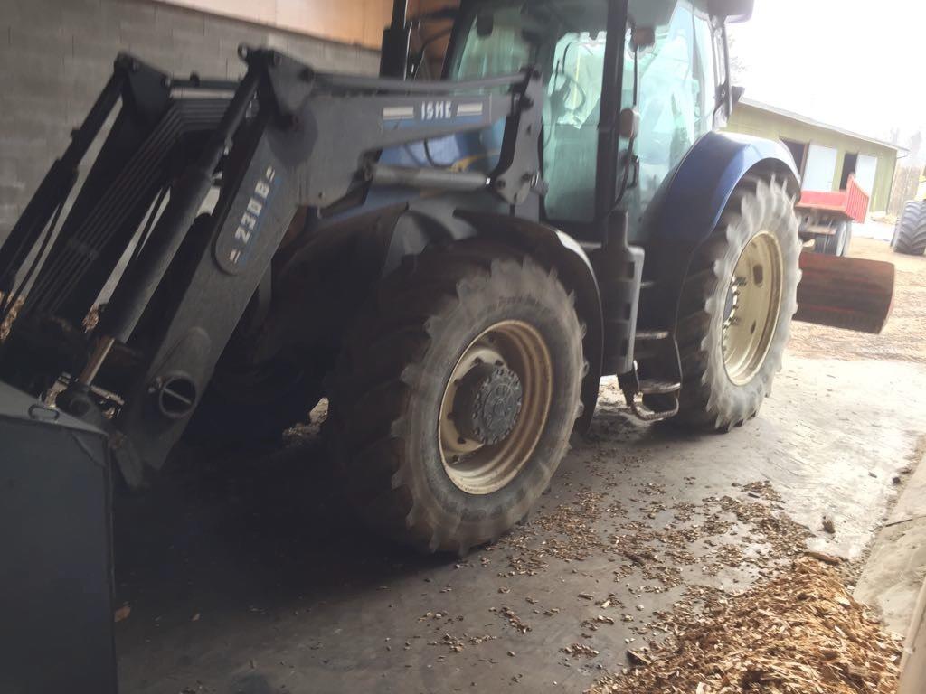 new holland t 7040 pc preis baujahr 2008 gebrauchte traktoren gebraucht kaufen. Black Bedroom Furniture Sets. Home Design Ideas