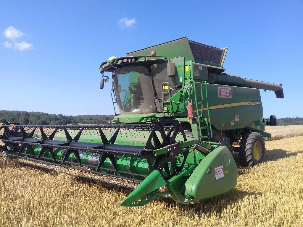 used john deere t670 combine harvesters year 2017 for sale mascus usa. Black Bedroom Furniture Sets. Home Design Ideas