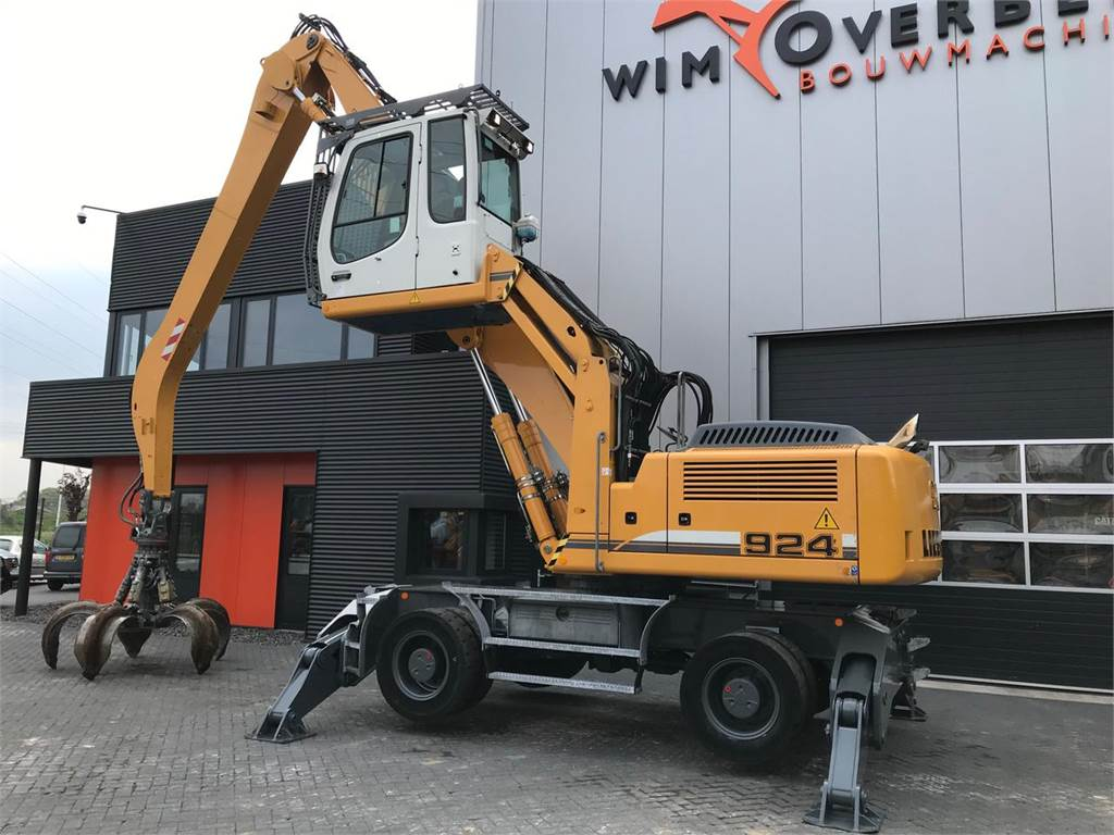 Liebherr A924 C Litronic with Grapple