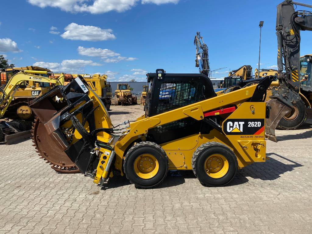 Caterpillar 262 D with EPA!!  asphalt cutter NEW TOP condition