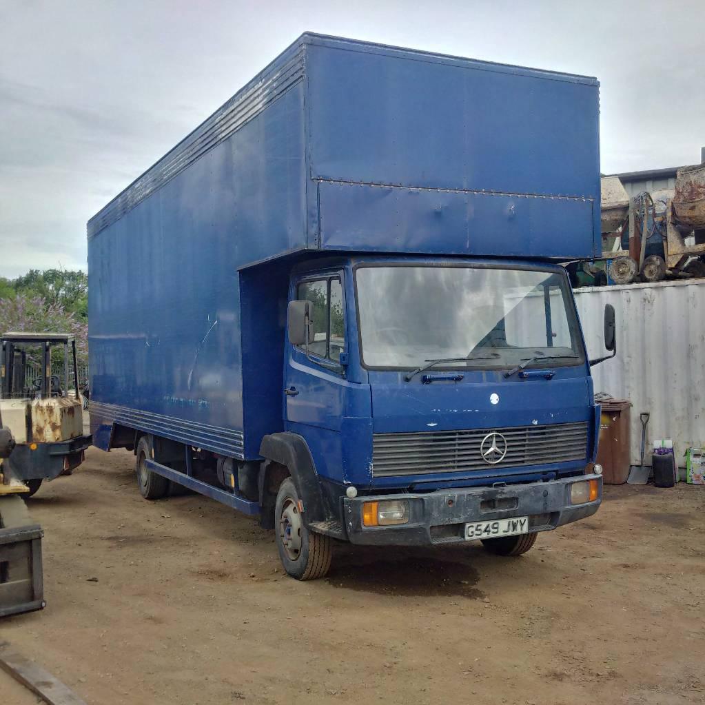 mercedes benz 814 7 5 ton box lorry 6 cylinder diesel engine ann e d 39 immatriculation 1990. Black Bedroom Furniture Sets. Home Design Ideas