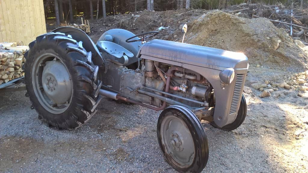 traktor 2 serial number