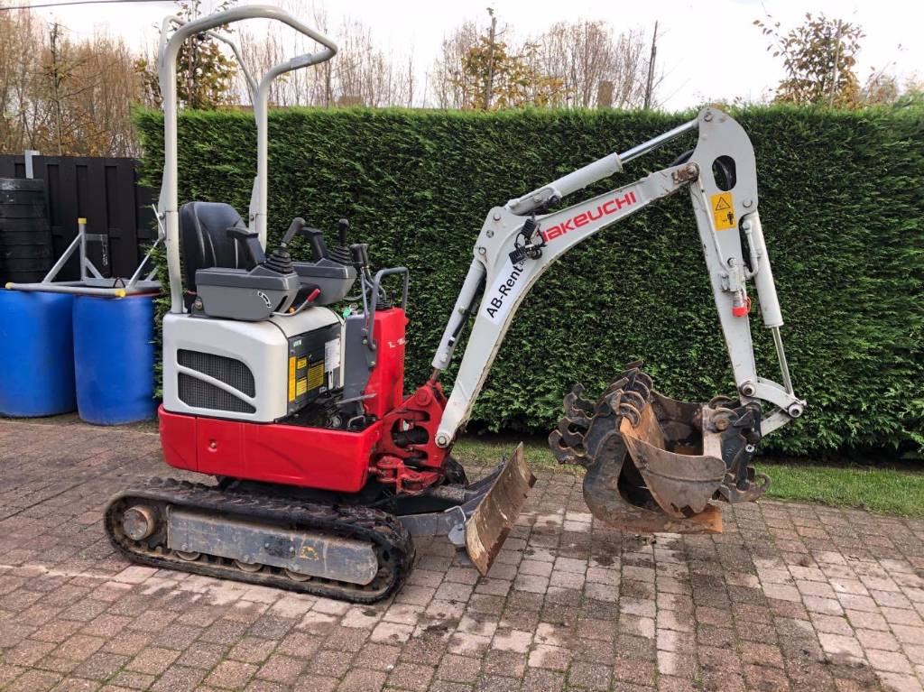 Takeuchi 210r occasion prix 16 900 ann e d - Prix location mini pelle ...