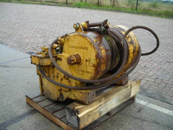Used Komatsu D65e Winch Other Components Year 1987 For