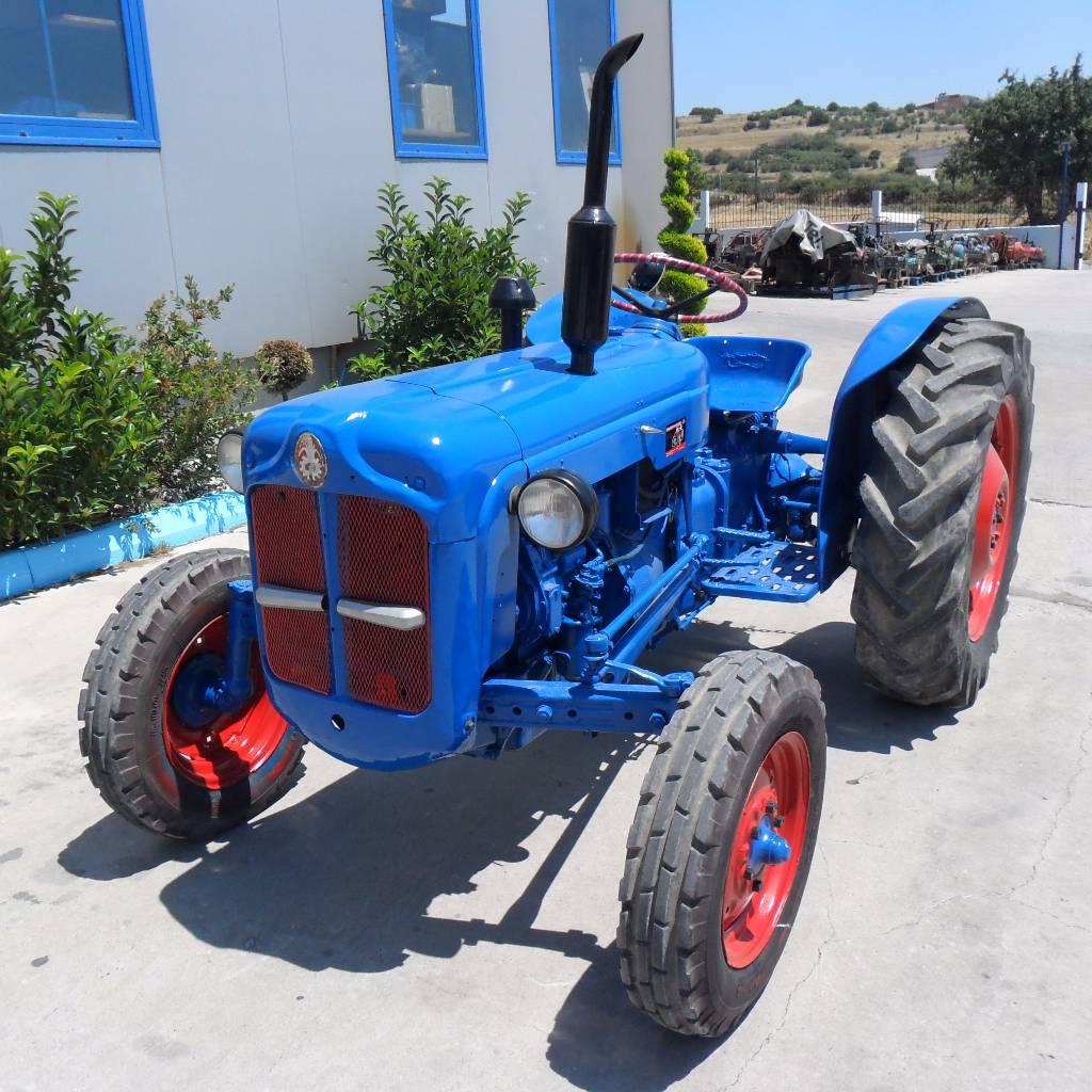 Ford Dexta Tractor Information : Used ford dexta tractors year price for
