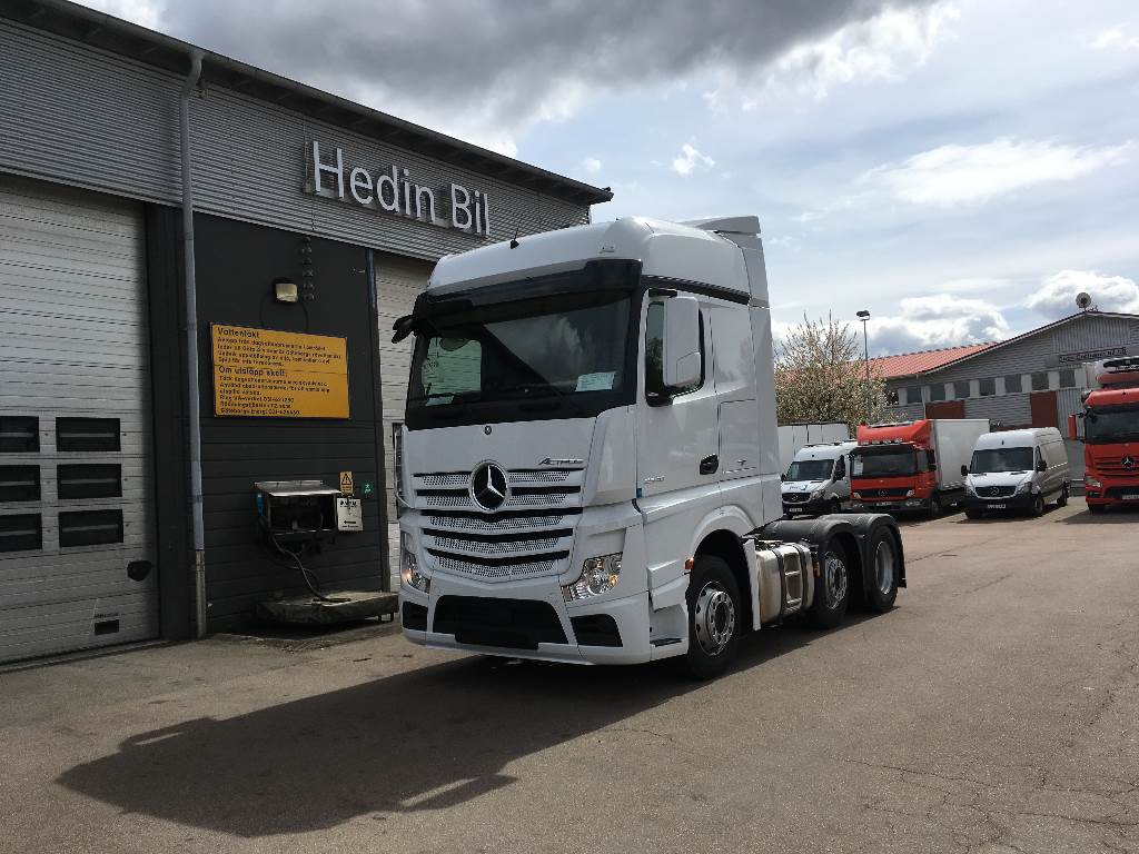 used mercedes benz actros 2546 tractor units year 2017