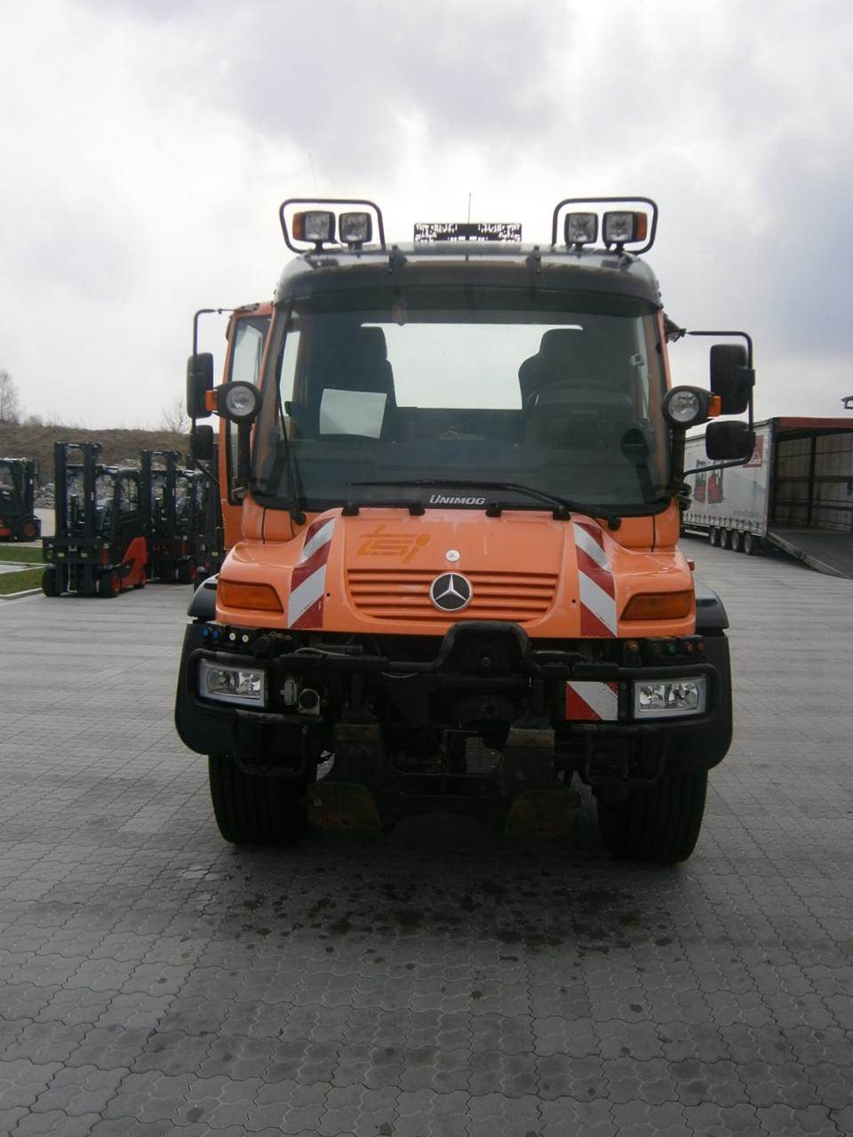 Used mercedes benz unimog u 500 utility tool carriers for Mercedes benz care