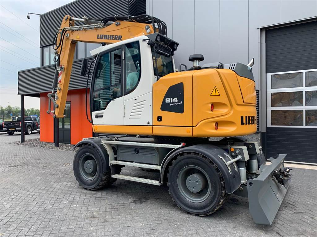 Liebherr A 914 C (DEMO)