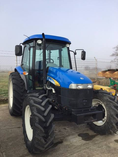New Holland 1500 Tractor: Used New Holland TD5050 Tractors Year: 2009 For Sale
