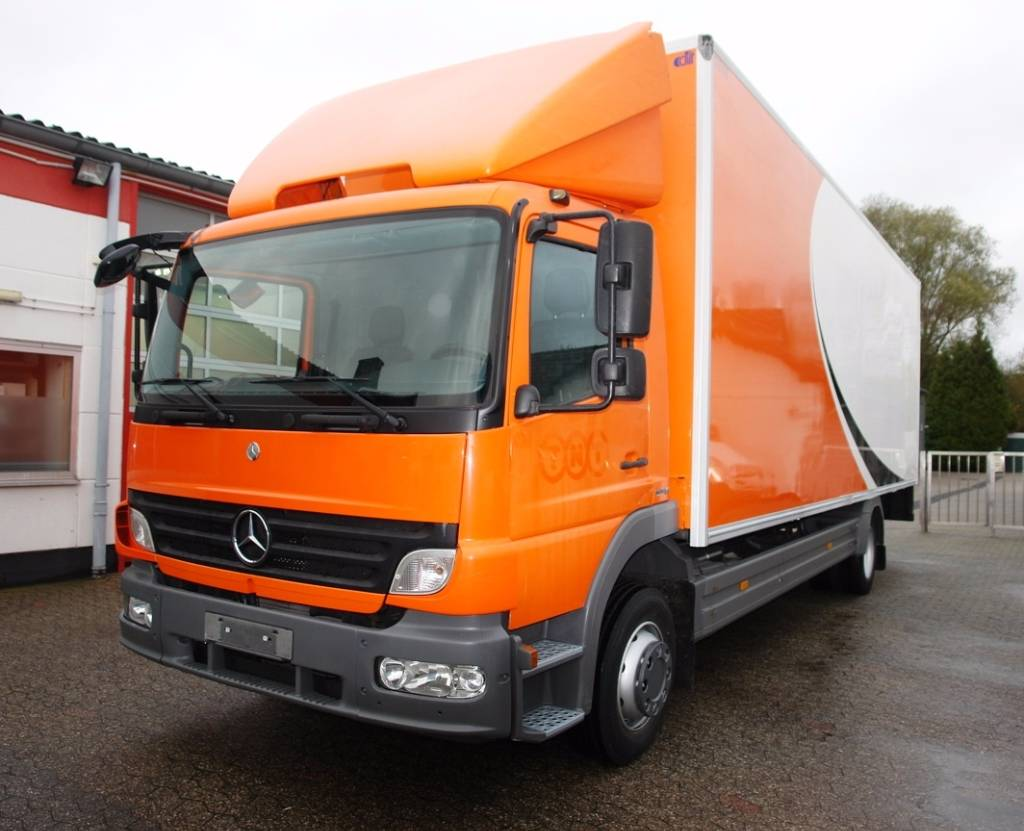 Used mercedes benz atego 1218 koffer ladebordwand t v bis for Used mercedes benz trucks for sale in germany